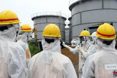 Fukushima, ispettori presso la Centrale nucleare in Giappone (Getty images)