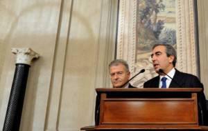 Maurizio Gasparri e Fabrizio Cicchitto (Foto: TIZIANA FABI/AFP/Getty Images)