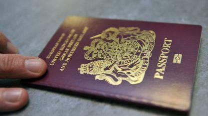 In arrivo in Gran Bretagna il passaporto con genere X per i transessuali