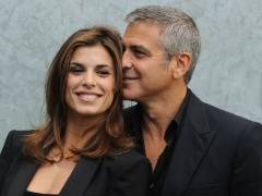 Mance hollywoodiane per George Clooney al ristorante con la Canalis