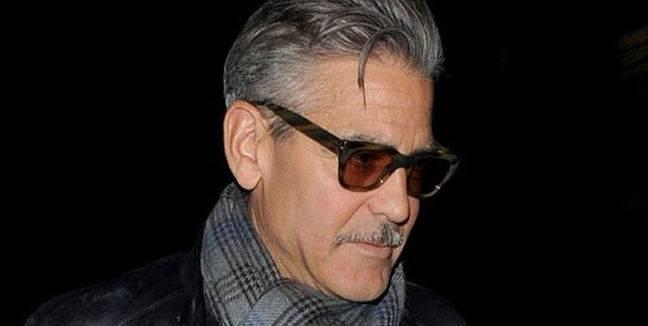 E' l'attore più bello e famoso di Hollywood... Senza ...