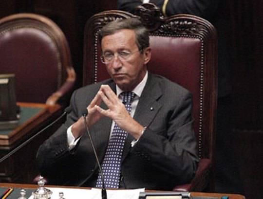 Costi della politica gianfranco fini bisogna ridurre for Numero di parlamentari