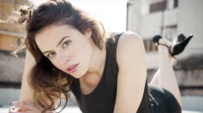 """I CESARONI / Giorgia Sinicorni, l'attrice dichiara: """"Nella nuova serie metterò zizzania tra Eva e Marco"""""""