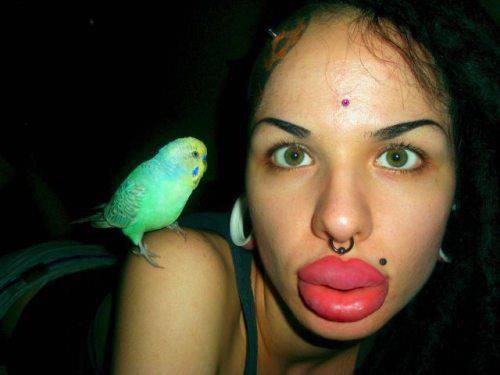 La donna con le labbra più grandi del mondo… GUARDA FOTO!!!
