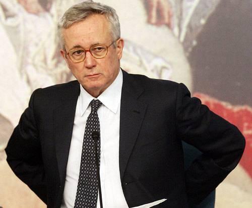 FMI / Washington, Tremonti ribadisce necessità di alleggerire sistema economico in Italia, appesantito da troppe regole