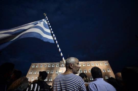 Crisi, Fitch alza il rating della Grecia