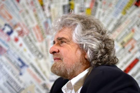 """Grillo reinterpreta """"Se questo è un uomo"""" contro la corruzione"""