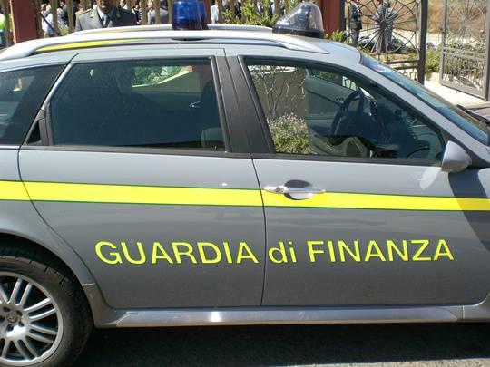 Palermo: in un call center lavoratori in nero pagati con ricariche su postepay