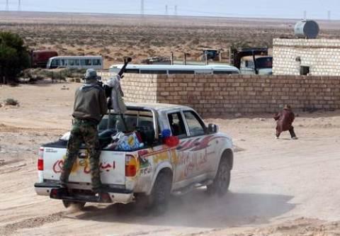 Guerra in Libia: ribelli controllano Ras Lanuf e Bin Jawad, pronti ad esportare petrolio