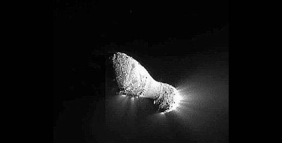 Sonda della Nasa si avvicina alla cometa Hartley2