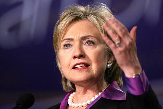 Guerra in Libia, il segretario di Stato Usa Hillary Clinton in visita a Tripoli