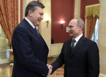 Il presidente ucraino Viktor Ianukovich con quello russo Vladimir Putin (ALEXEI NIKOLSKY/AFP/Getty Images)