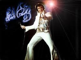 MUSICA / Collezionismo, venduti all'asta i capelli, gli occhiali ed il contratto della casa di Menphis di Elvis Presley