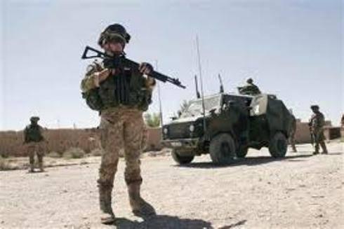 GUERRA IN AFGHANISTAN / Soldati italiani, bomba artigianale esplode al passaggio di un blindato Lince: nessun ferito