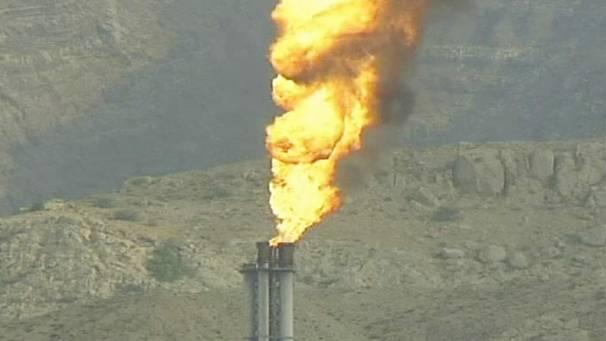 Iran: il progetto nucleare continua e si annuncia il blocco del greggio verso l'Europa
