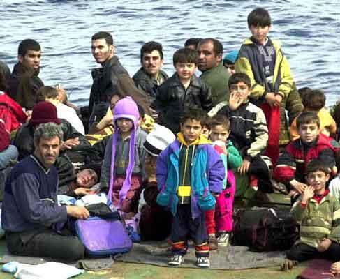 """Immigrazione, Zaia: """"I clandestini che arrivano a Lampedusa hanno telefonini e abiti firmati"""""""