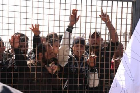 Emergenza immigrazione: recuperati 68 cadaveri davanti alle coste libiche, un altro barcone risulta disperso