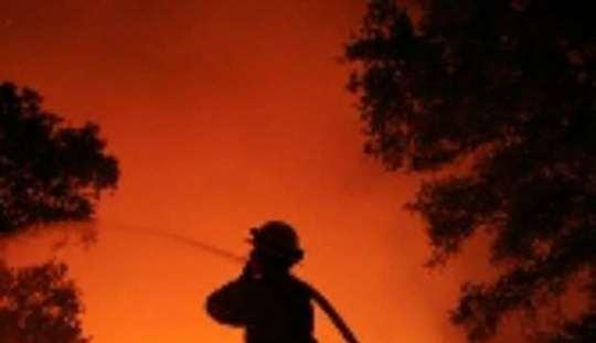 Incendi: Ferragosto italiano di fuoco con 85 roghi
