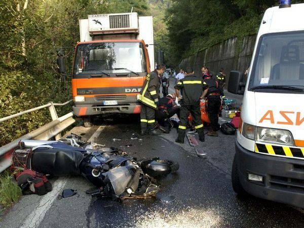 PIRATA DELLA STRADA / Roma, automobilista 20enne investe un motociclista e fugge: arrestato