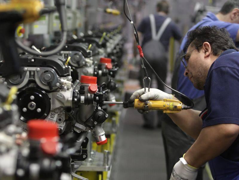 Fatturato industria: ad aprile calo dello 0,5%, su base annua -4,1%
