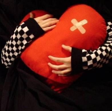 Malattie cardiovascolari, donne più a rischio: 1 su 2 muore per infarto