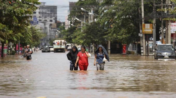 Inondazione Thailandia: indetti tre giorni di ferie per permettere i lavori di ripristino