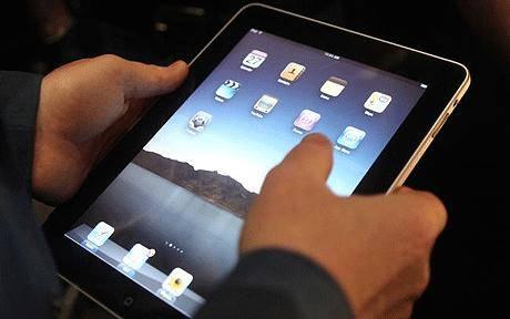 Hugh Hefner: Playboy e le sue conigliette arriveranno su iPad a marzo