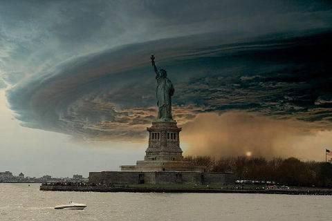 USA: gli esperti mettono in guardia per Halloween. In arrivo l'uragano Sandy