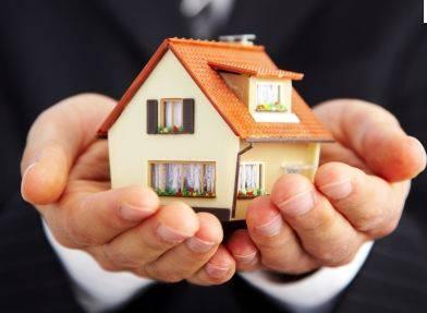 Nel 2014 aumenta compravendita case, crollo settore edile