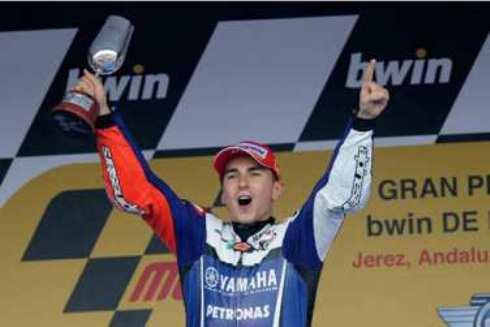 MotoGp Jerez 2011: Jorge Lorenzo re di Spagna, Honda e Stoner accusano dilettantismo dei marshall