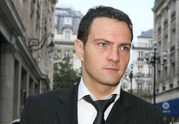 jerome kerviel and societe generale essay Jerome kerviel was a junior level derivatives trader earning us$66,000 per year at societe generale, one of europe's largest banks by january 9, 2008, he had amassed a stock index futures.