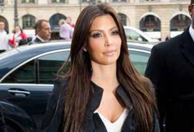 KIM KARDASHIAN / Parigi, l'attrice visita il Louvre con la madre