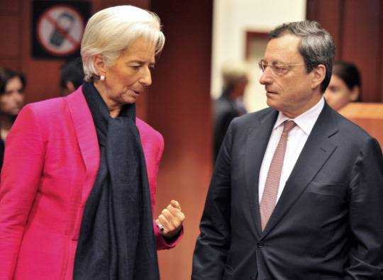 Christine Lagarde, direttore Fmi, e Mario Draghi presidente Bce (Foto di GEORGES GOBET/AFP/Getty Images)