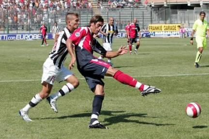larrivey lascia cagliari football - photo#13