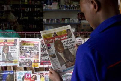Notizia su Legge anti gay in prima pagina dei giornali in Uganda (Getty images)