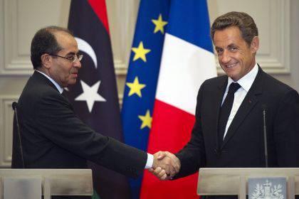 Nicholas Sarkozy in Cina: incontro con Hu Jintao per discutere di economia e guerra in Libia