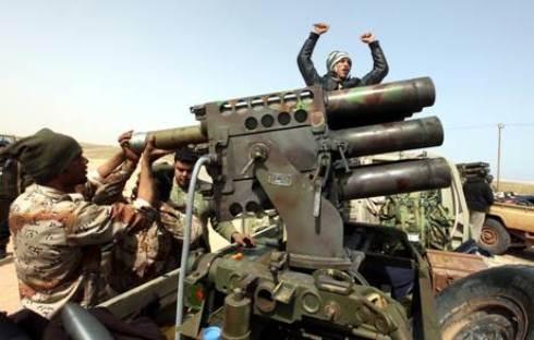 Guerra in Libia: Gheddafi rifiuta cessate il fuoco dei ribelli, la coalizione occidentale lavora sul fronte diplomatico