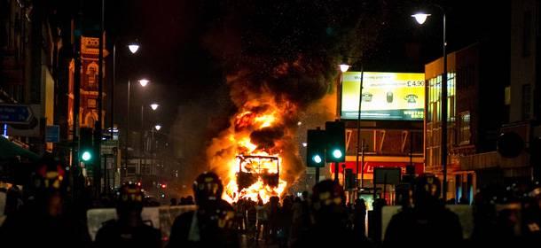 Londra: 29 feriti negli scontri a Tottenham