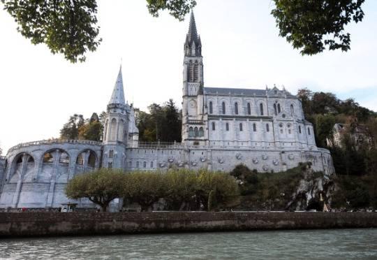 Francia: terremoto a Lourdes