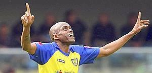 Dopo Eriberto un altro calciatore ha mentito sull'età