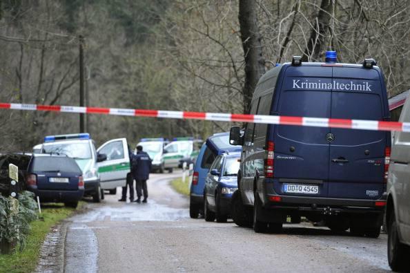 Germania sotto shock: poliziotto uccide e taglia a pezzi uomo conosciuto online