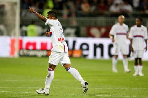 Calciomercato Juve, Bastos per la fascia