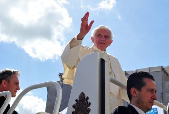 Scandalo in Vaticano: si è aperto il processo al maggiordomo del Papa