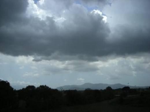 Allerta maltempo: nubifragi in arrivo anche al Centro-Sud, rischio frane e smottamenti