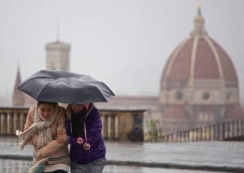 Pioggia a Firenze (Foto: CLAUDIO GIOVANNINI/AFP/Getty Images)