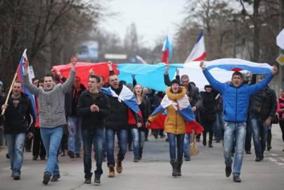 Manifestanti Filo russi a Simferopol, Crimea (Getty images)