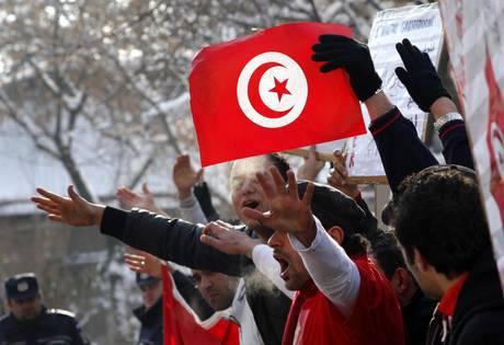 Tunisia: è festa per il primo anniversario della Rivoluzione dei Gelsomini