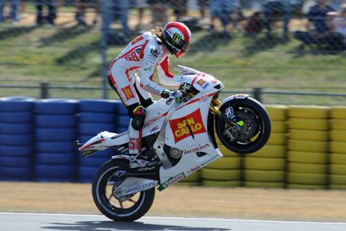 """MotoGp Francia 2011: Marco Simoncelli orgoglio italiano, Valentino Rossi """"Faccio fatica a guidare"""""""