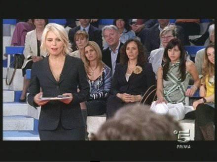 ANTICIPAZIONI C'E' POSTA PER TE / Ospiti della quinta puntata: Emma Marrone, Ezio Greggio e Enzo Iacchetti