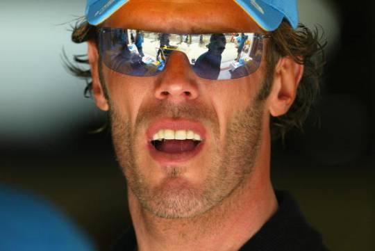 Incidente stradale, investito l'ex campione del mondo Mario Cipollini